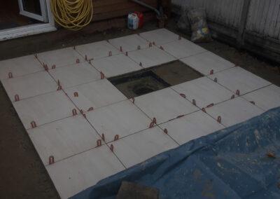 separators in light-coloured paving stones
